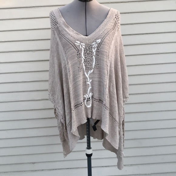 6c5969e854 Free People Sweaters - Free people tan white knit poncho size small